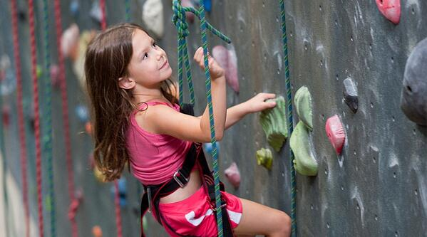 129_kids_climb_app_images_1080x600.jpg