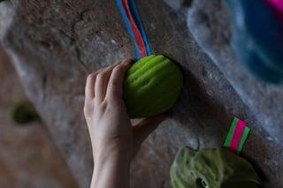 Climbing Pinch Grip 1.jpg