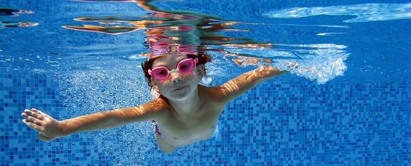 Kid Swimming in pool_header.jpg