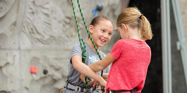 Kids Climb sibling scramble