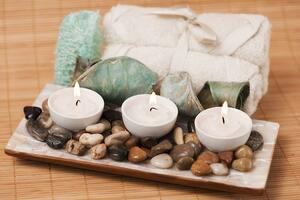 Spa-items-and-candles-183138384_2122x1415